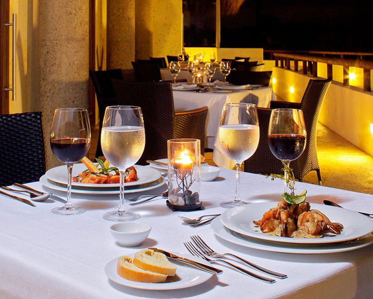 DINNER ESTELAR Playa Manzanillo Hotel Cartagena de Indias